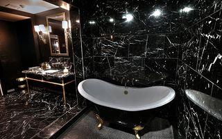 Bath04.jpg