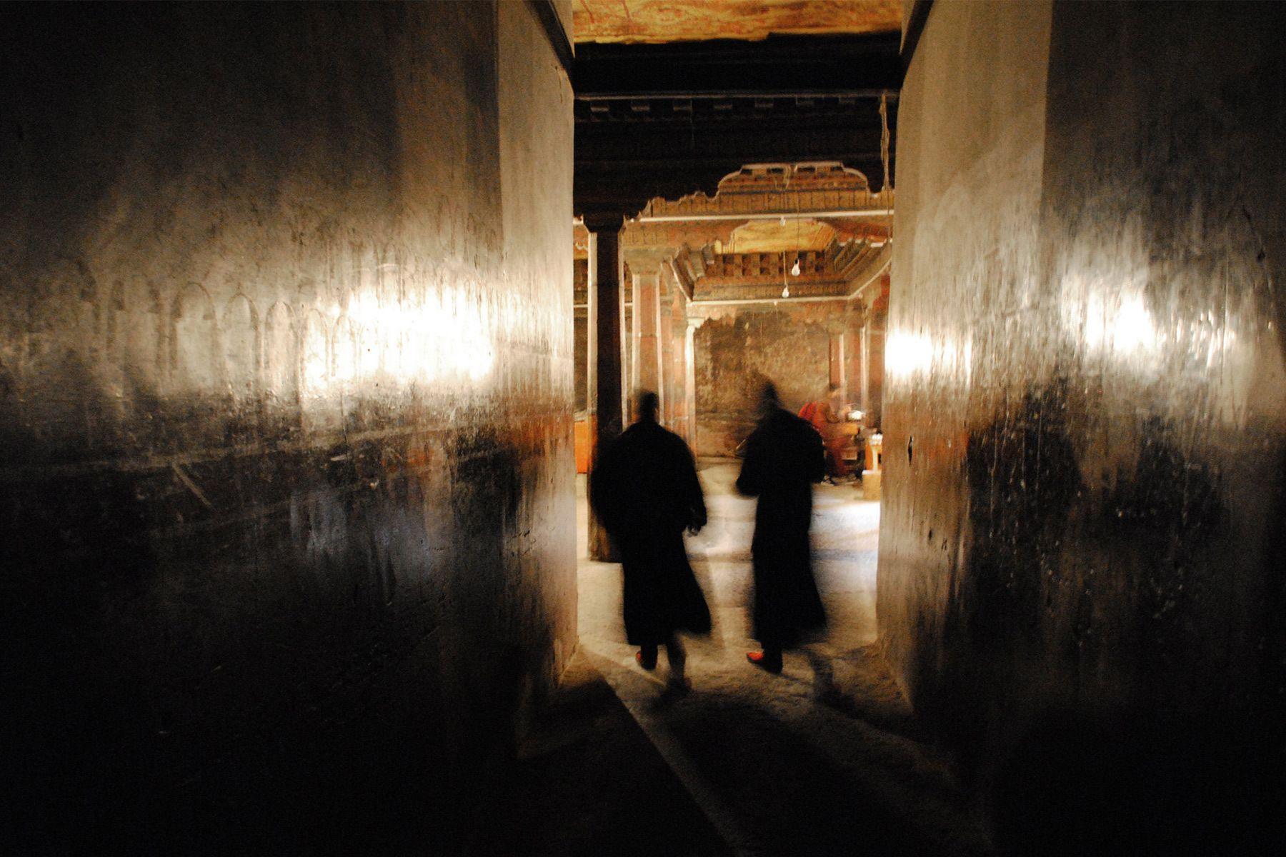 1r10___tibet_temple_templo_monk_buddhist_buddhism_budista_monje.jpg