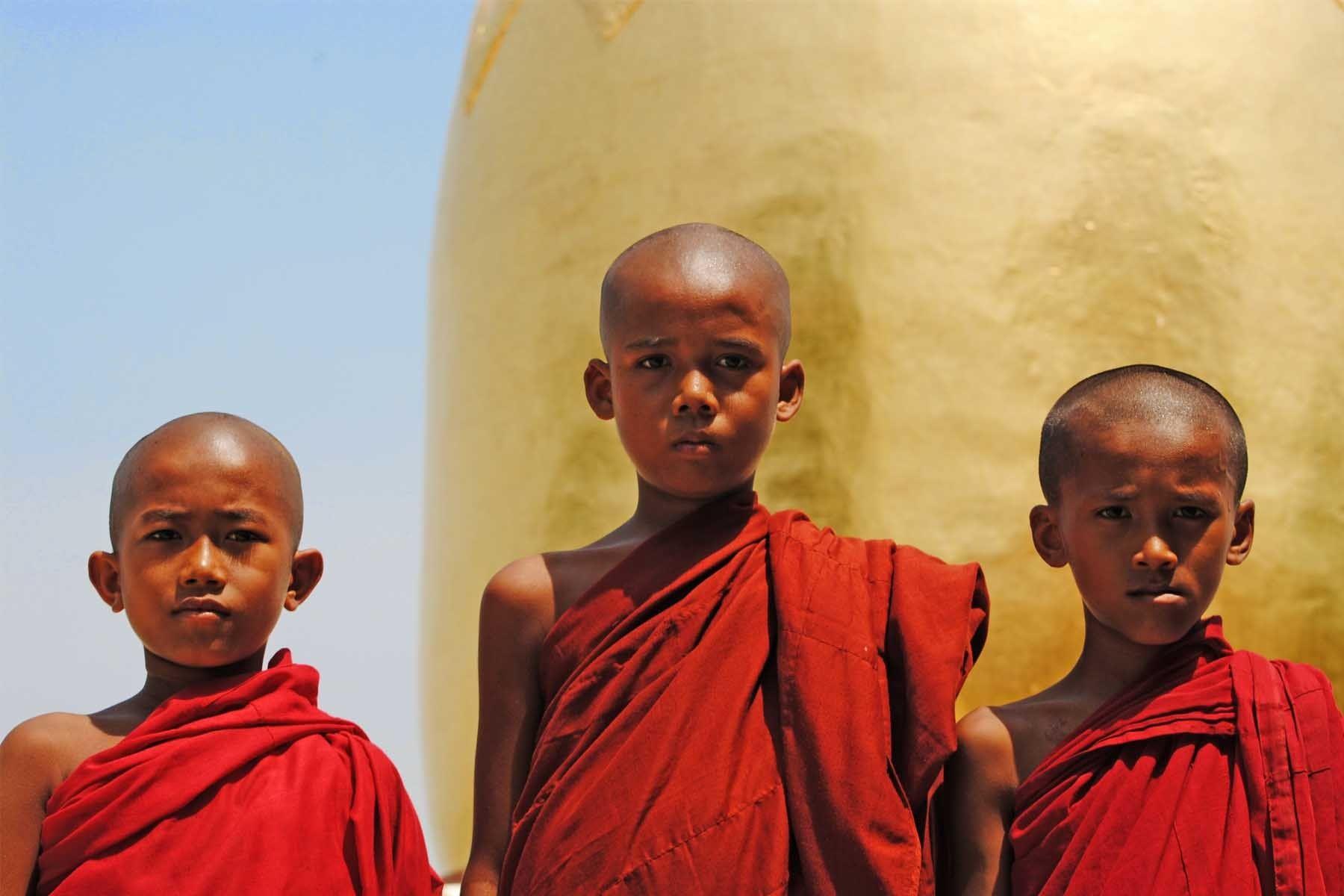 103___bagan_monks___compressed.jpg