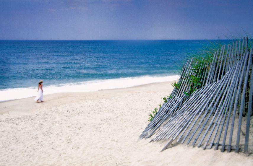 1karen_lhamptons_beach