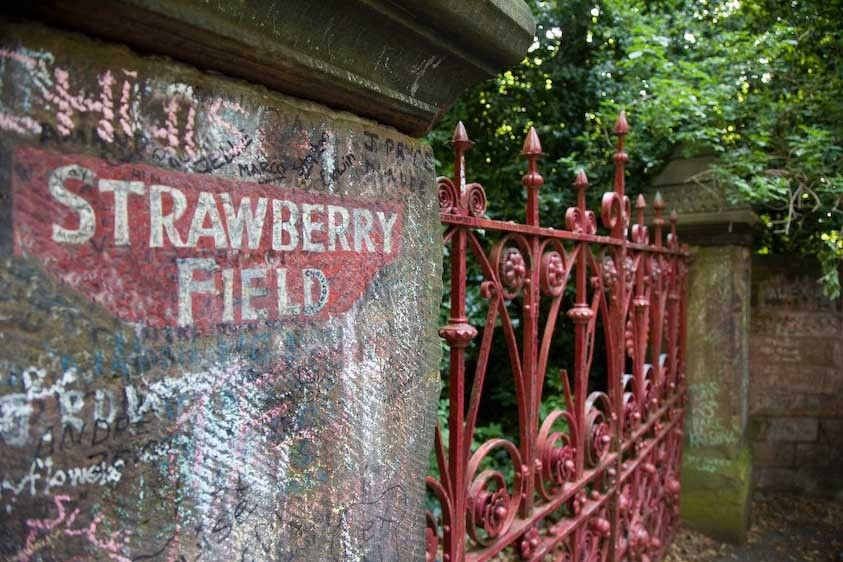 1England_Liverpool_Strawberry_fields