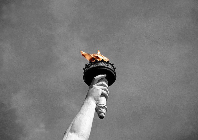 1USA_New_York_liberty_hand
