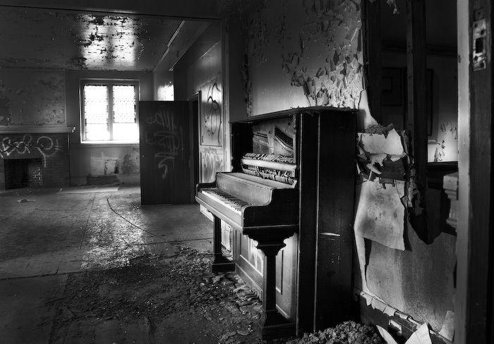 1detroit_pianoa2588_1