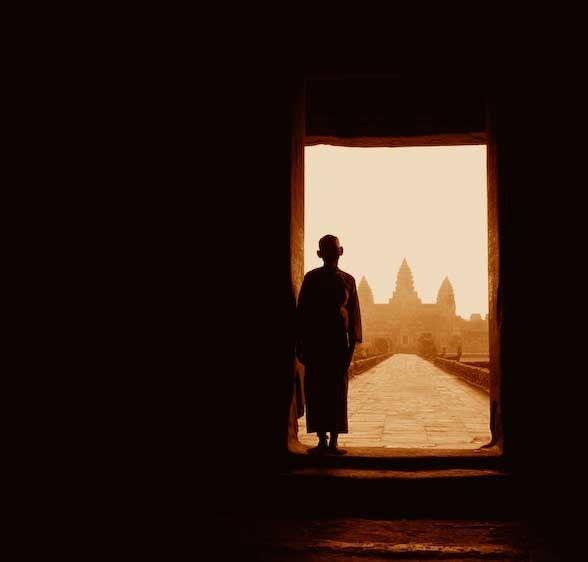 1Cambodia_female_monk_Angkor_Wat