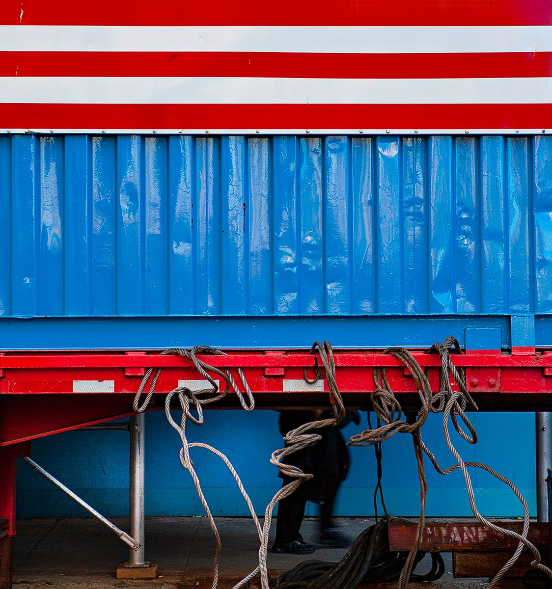LB_USflag_Blue_container_#2_I1S0020_CROP_F.jpg