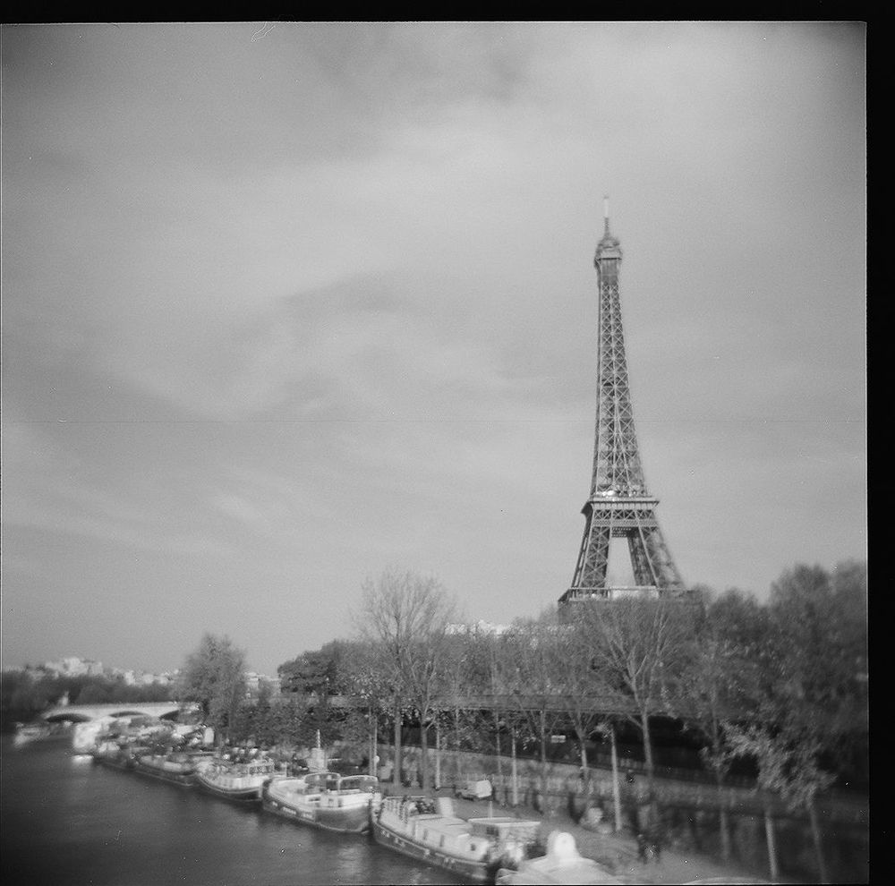 1paris_holga_scans_000576670011