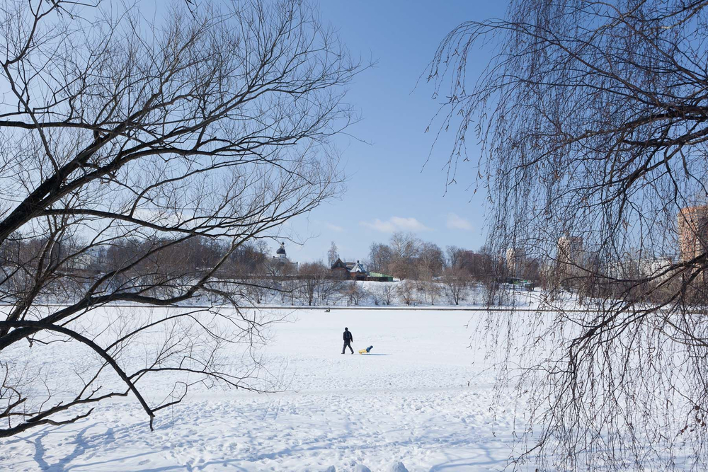 1moscow_winter_sled_ice_river