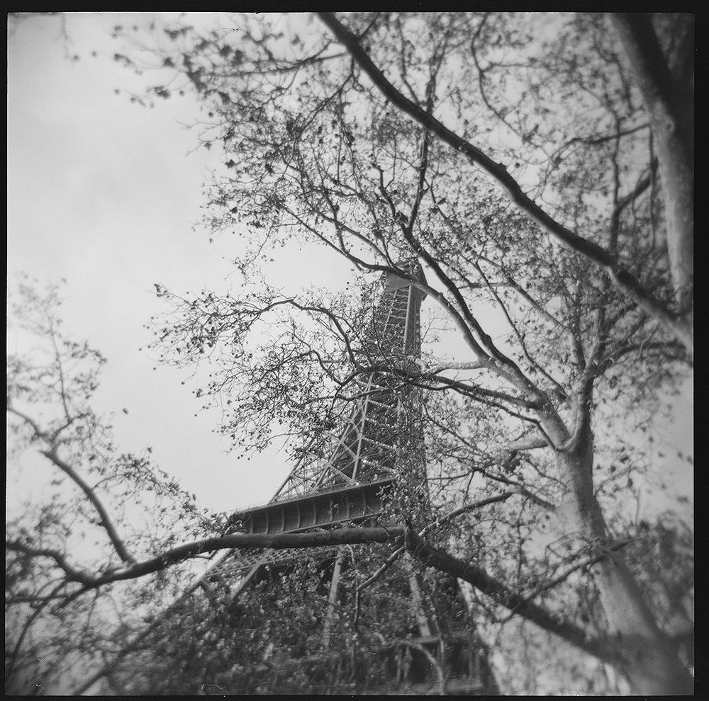 1paris_holga_scans_000576670001