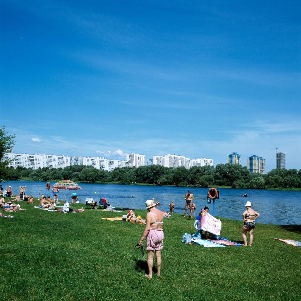 1moscow_summer_urban_leisure_babushka_beach