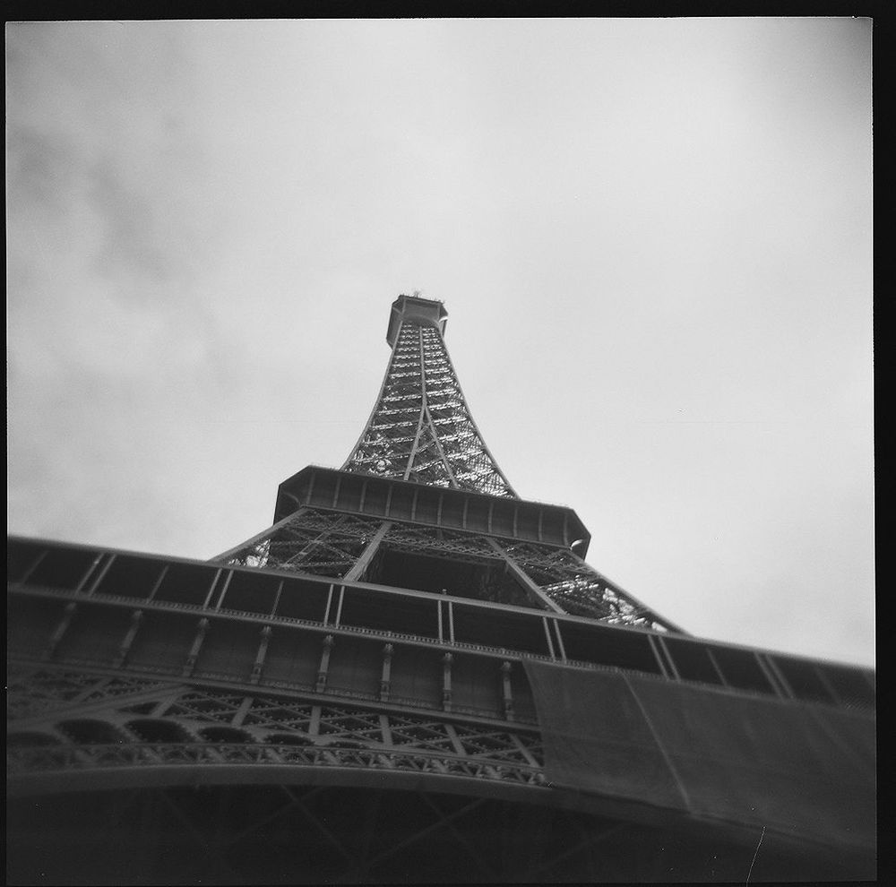 1paris_holga_scans_000576670004