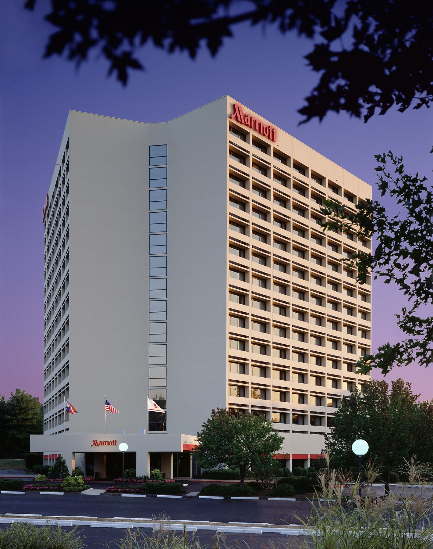 1marriott_centuryctr_ext.jpg