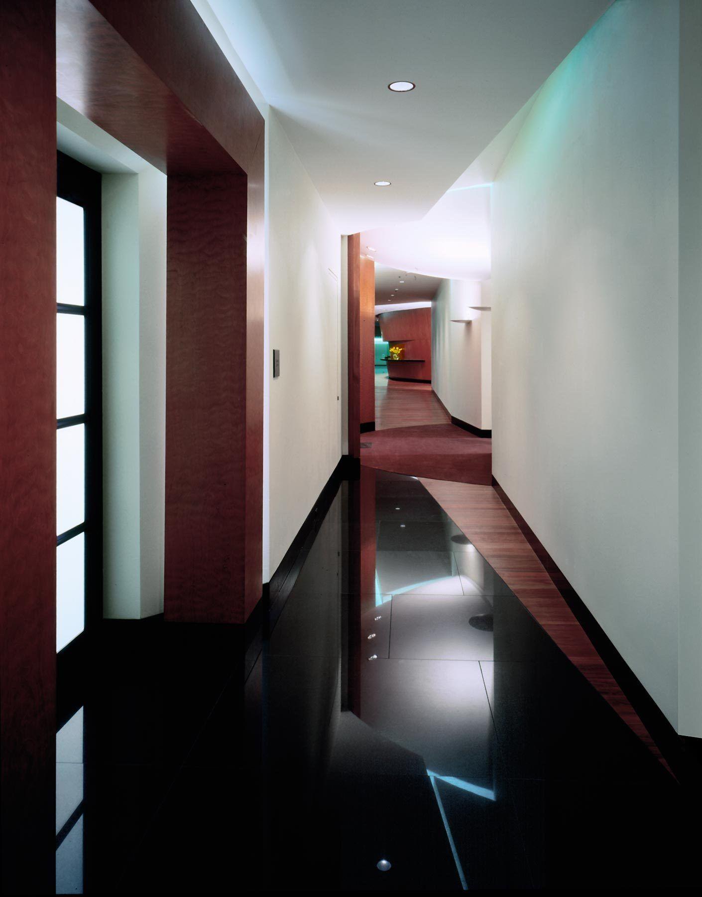 1at_t_hallway.jpg