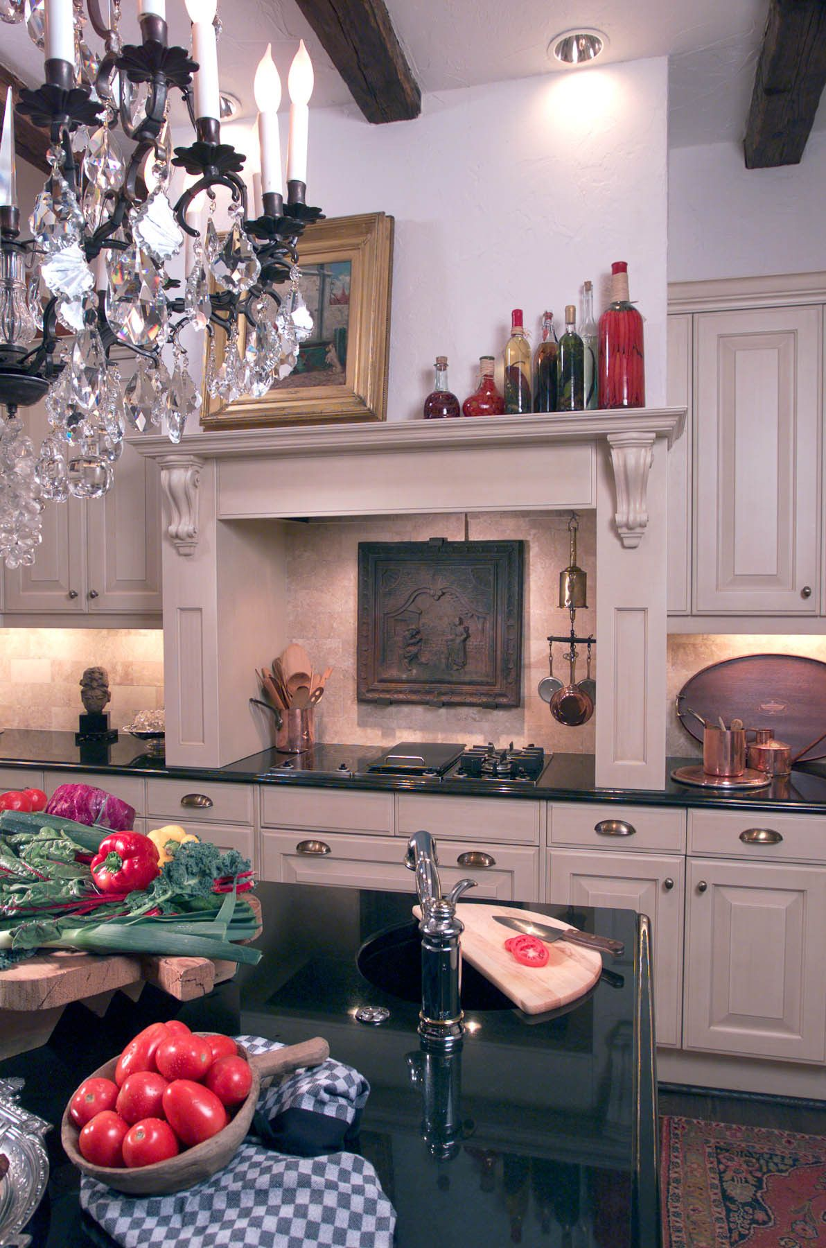 1matthews_kitchen_mantle.jpg