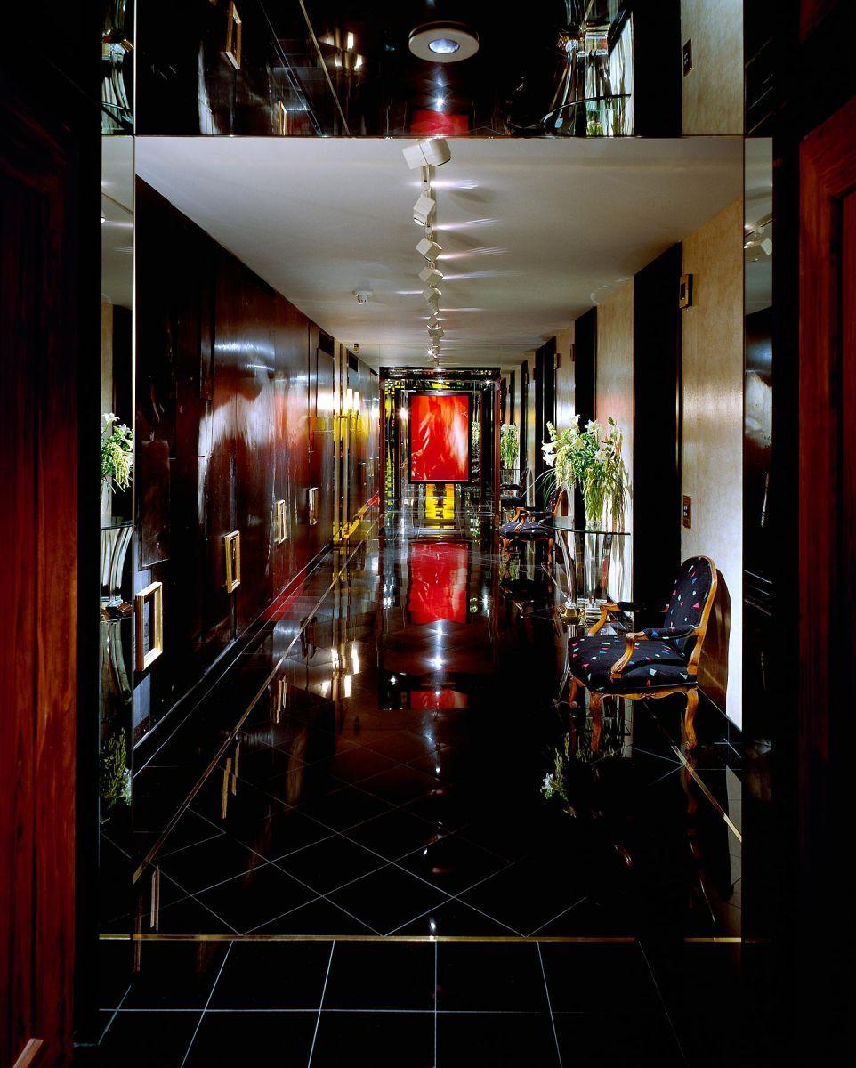 1ej_elevator_lobby.jpg