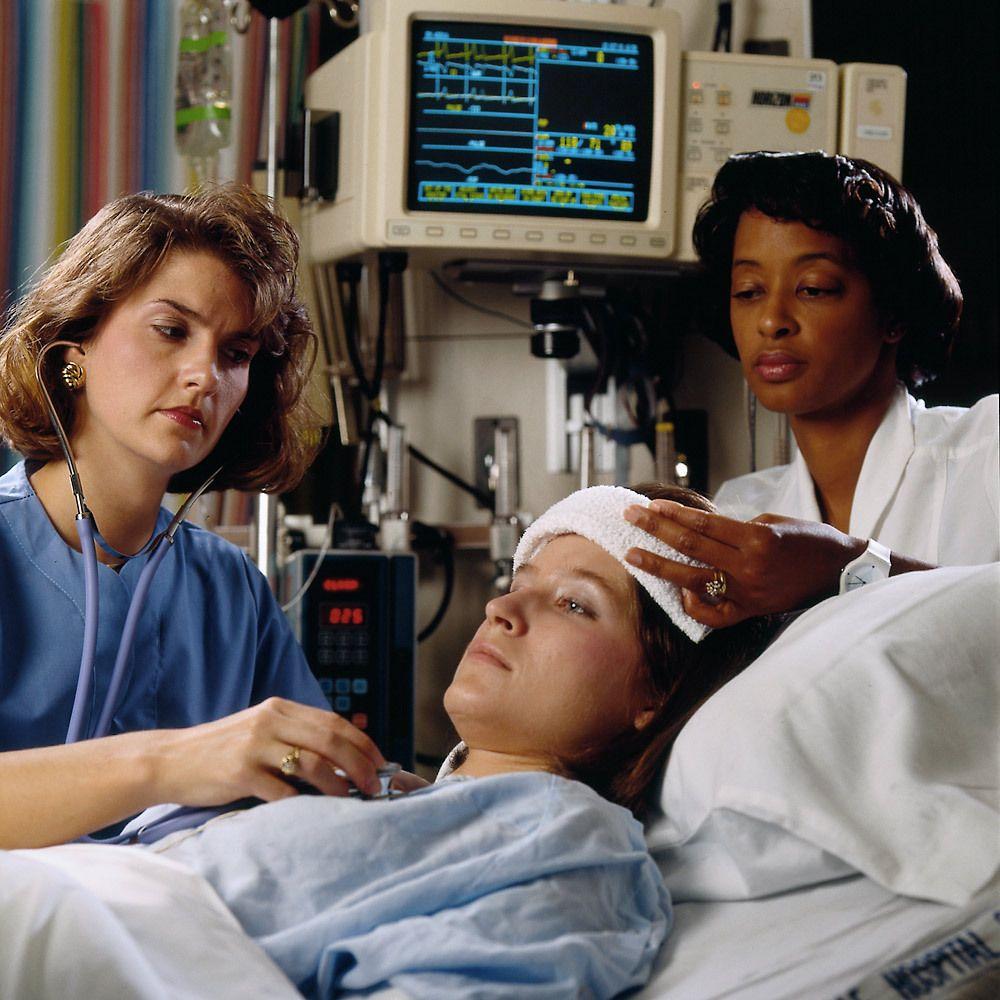 1gh__nurse_icu.jpg