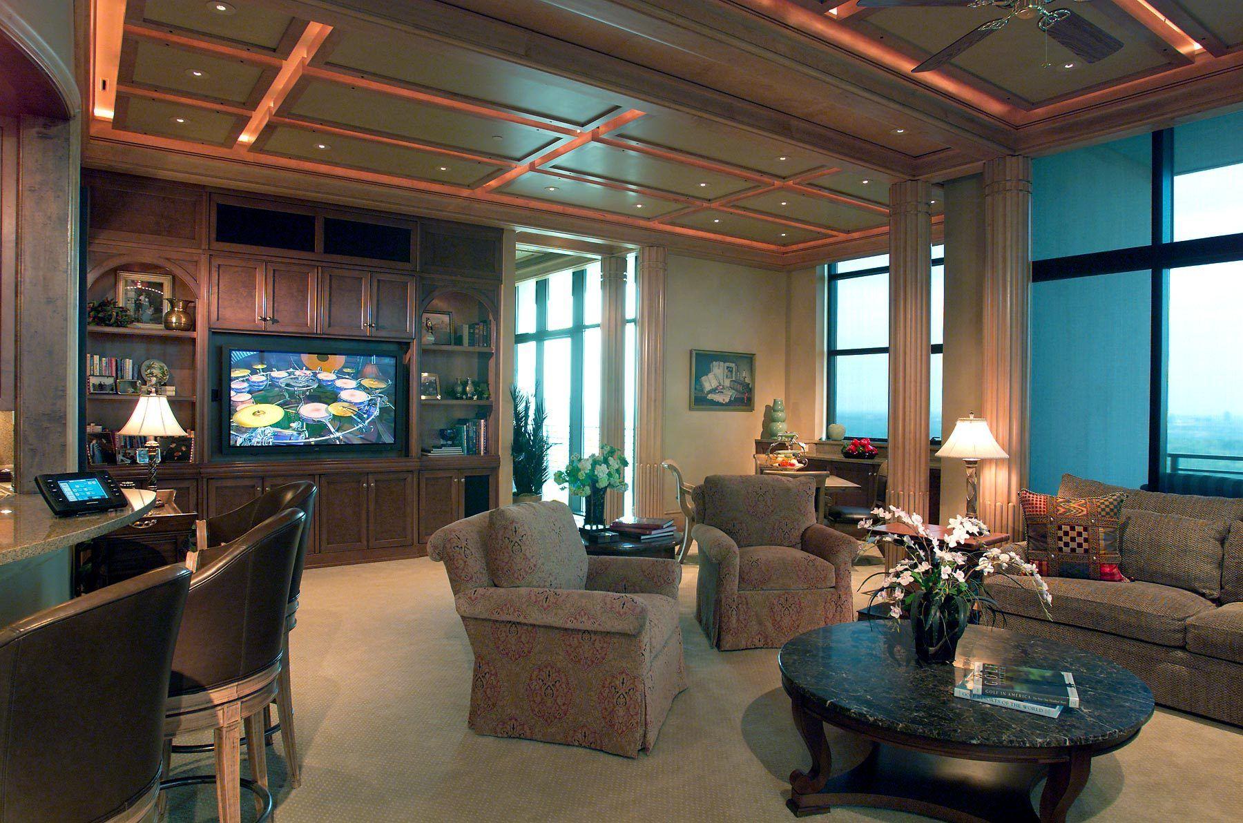 1huff_livingroom.jpg