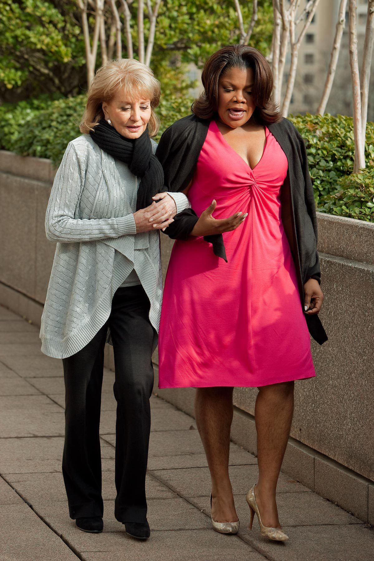 Barbara Walters Oscar interview with Monique- Walking outside