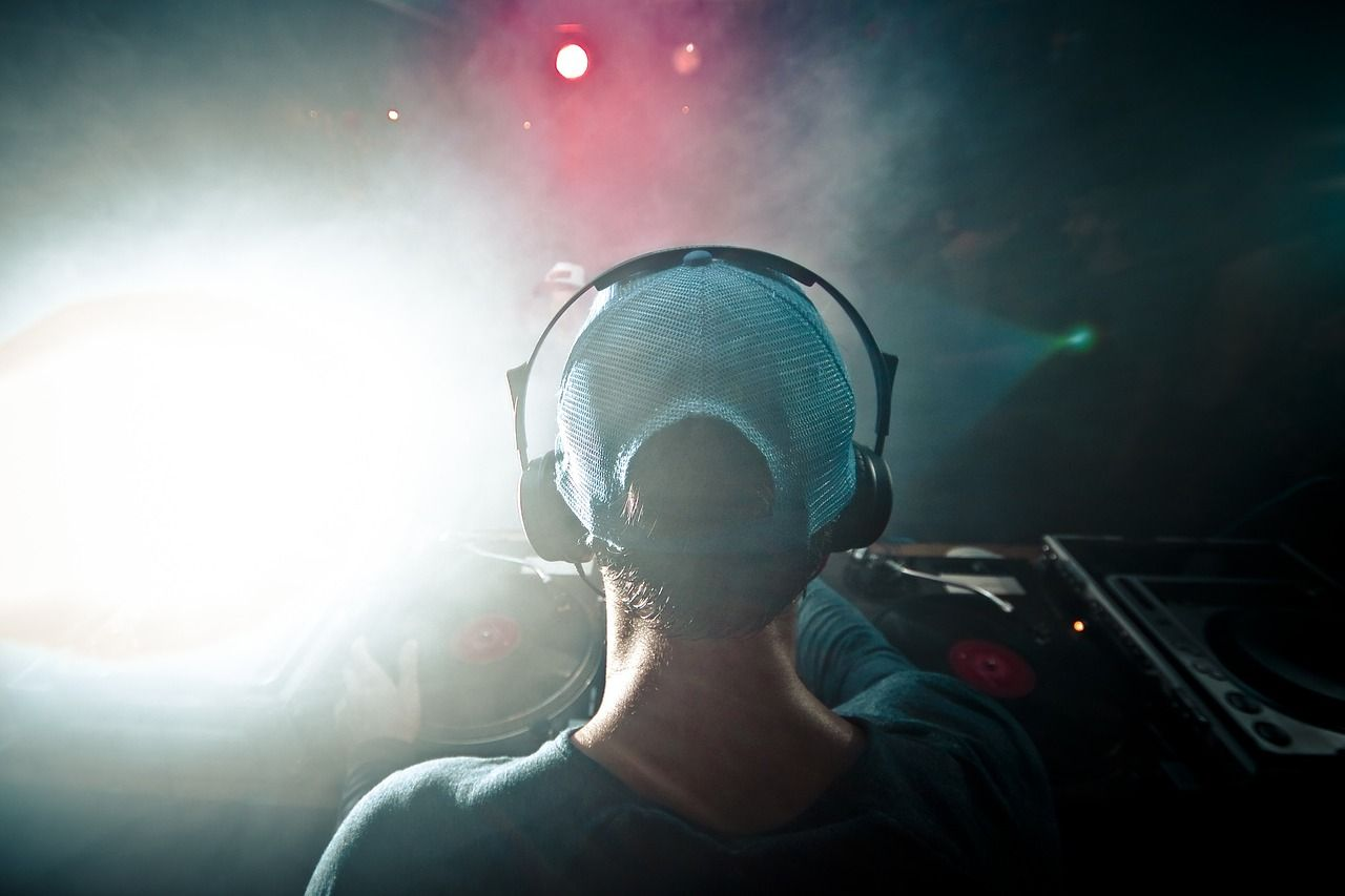 YOUR WEDDING & EVENTS DJ