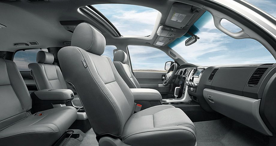 1toy_wide_angle_interior.jpg
