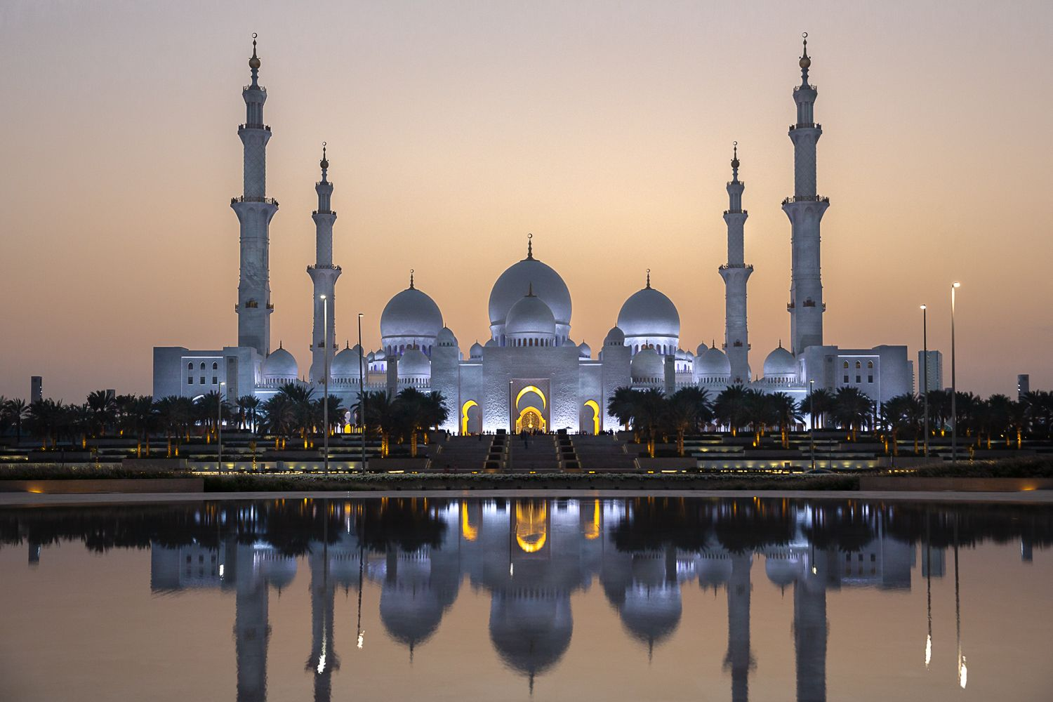Sheikh Zayed Grand Mosque ABU DHABI by Dubai Photographer Jonathan Gainer 3.jpg