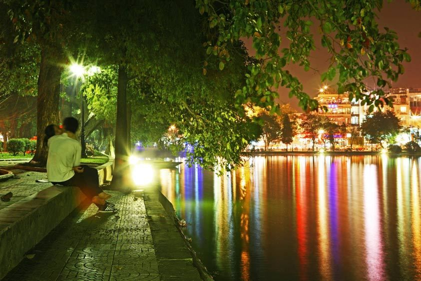 Hoan Kiem Lake Lovers