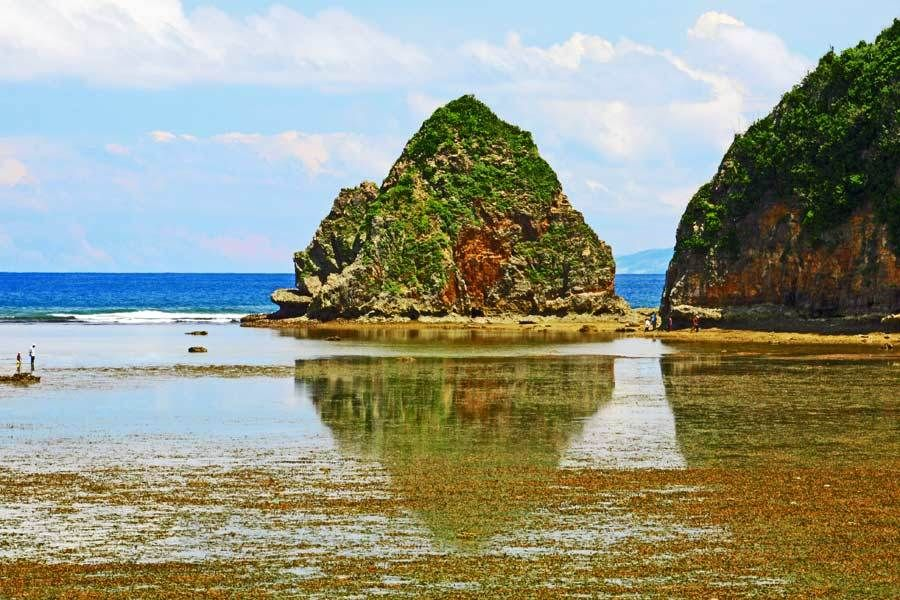 Twin Rocks, Catanduanes Island