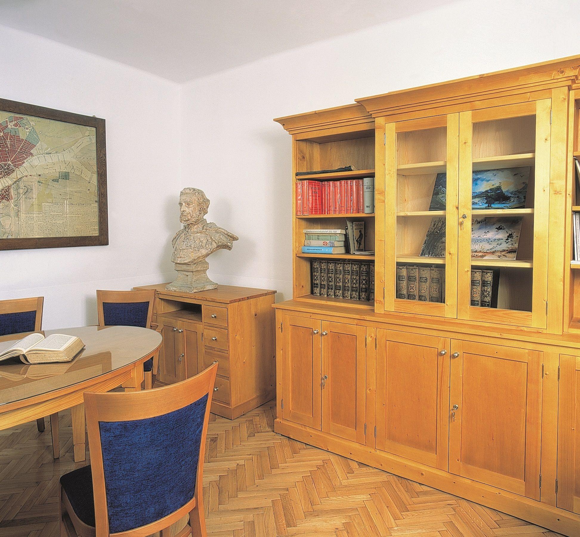 Duna Museum Office.jpg