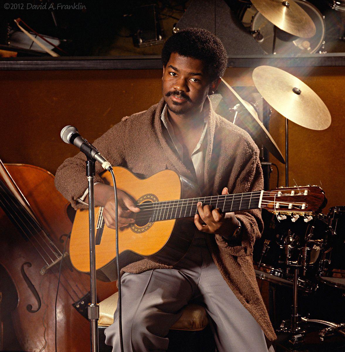 EarlKlugh_JazzGuitarArtist_BakersKeyboardLounge_Detroit_HometownRoots_Editorial