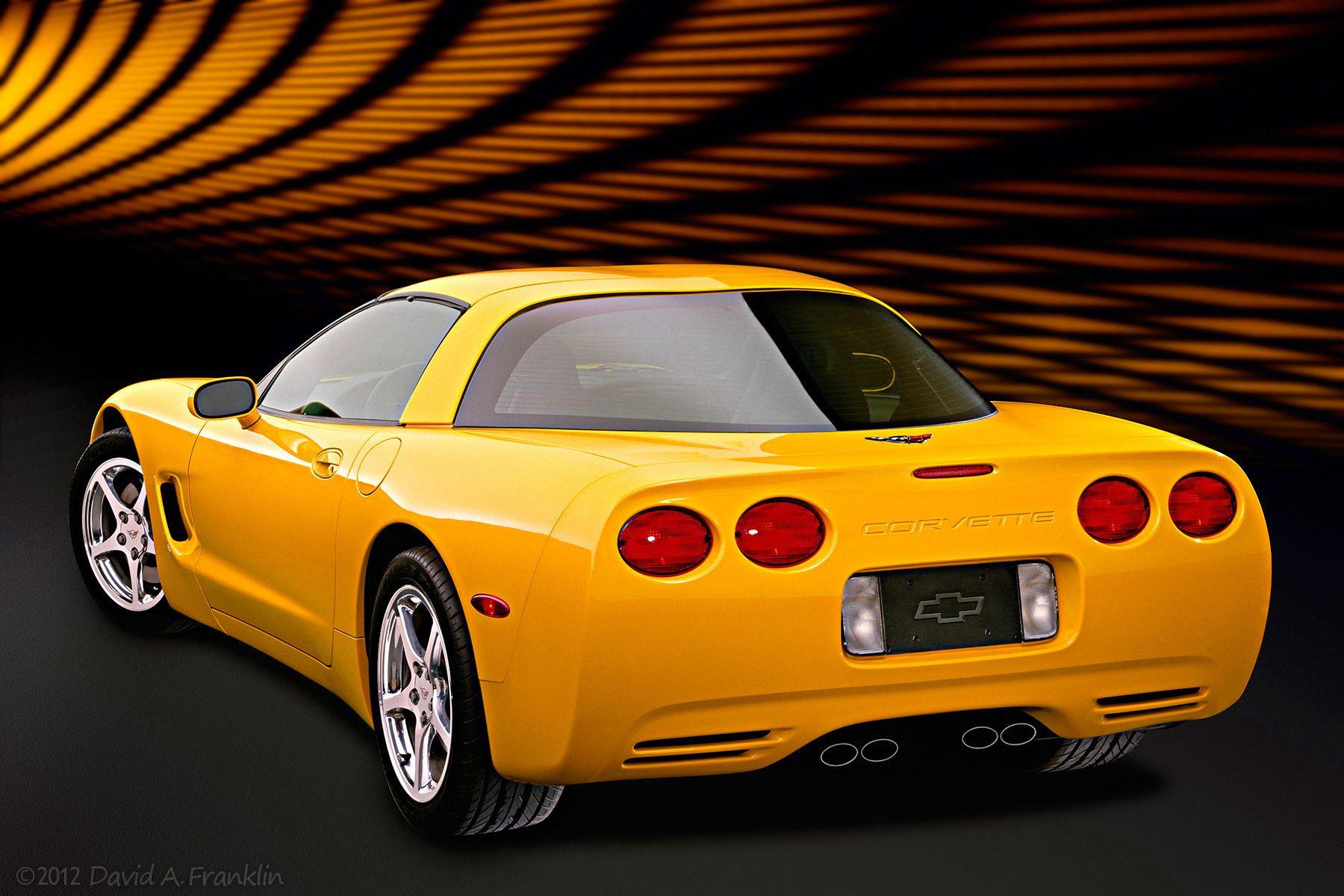 ChevroletCorvette_Yellow_R34_DigitalLightEffectsSet_Studio