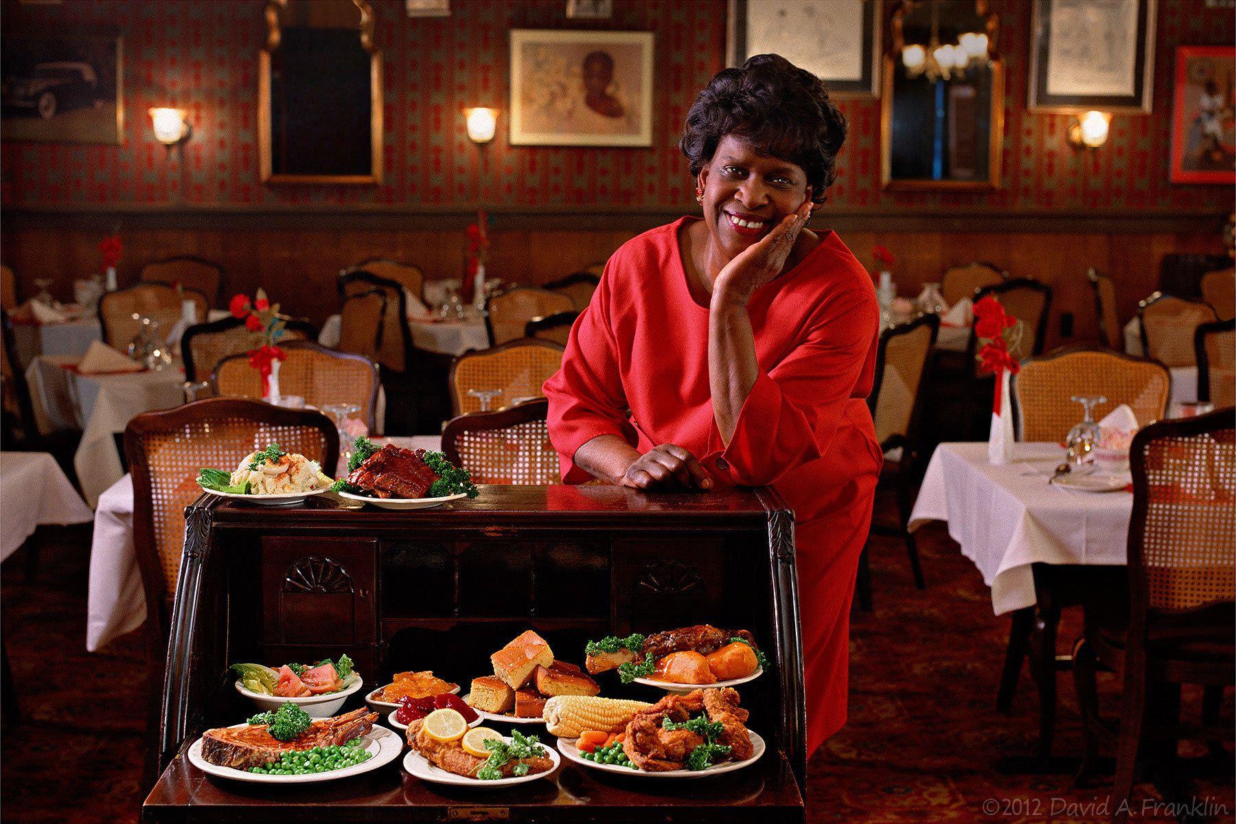 RestaurantOwner_FoodArrangedAtTable_DiningRoom_DetroitBarbeque&More_Editorial