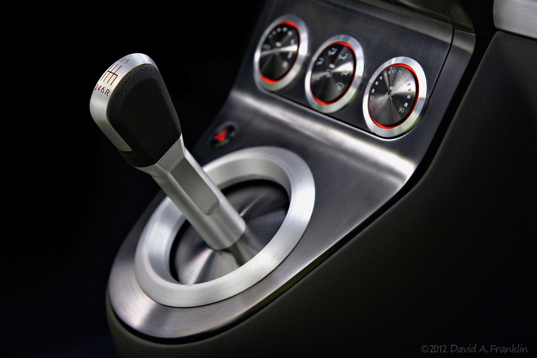 NissanAzeal_ShowCar_InteriorDetail_ShiftLever_Studio