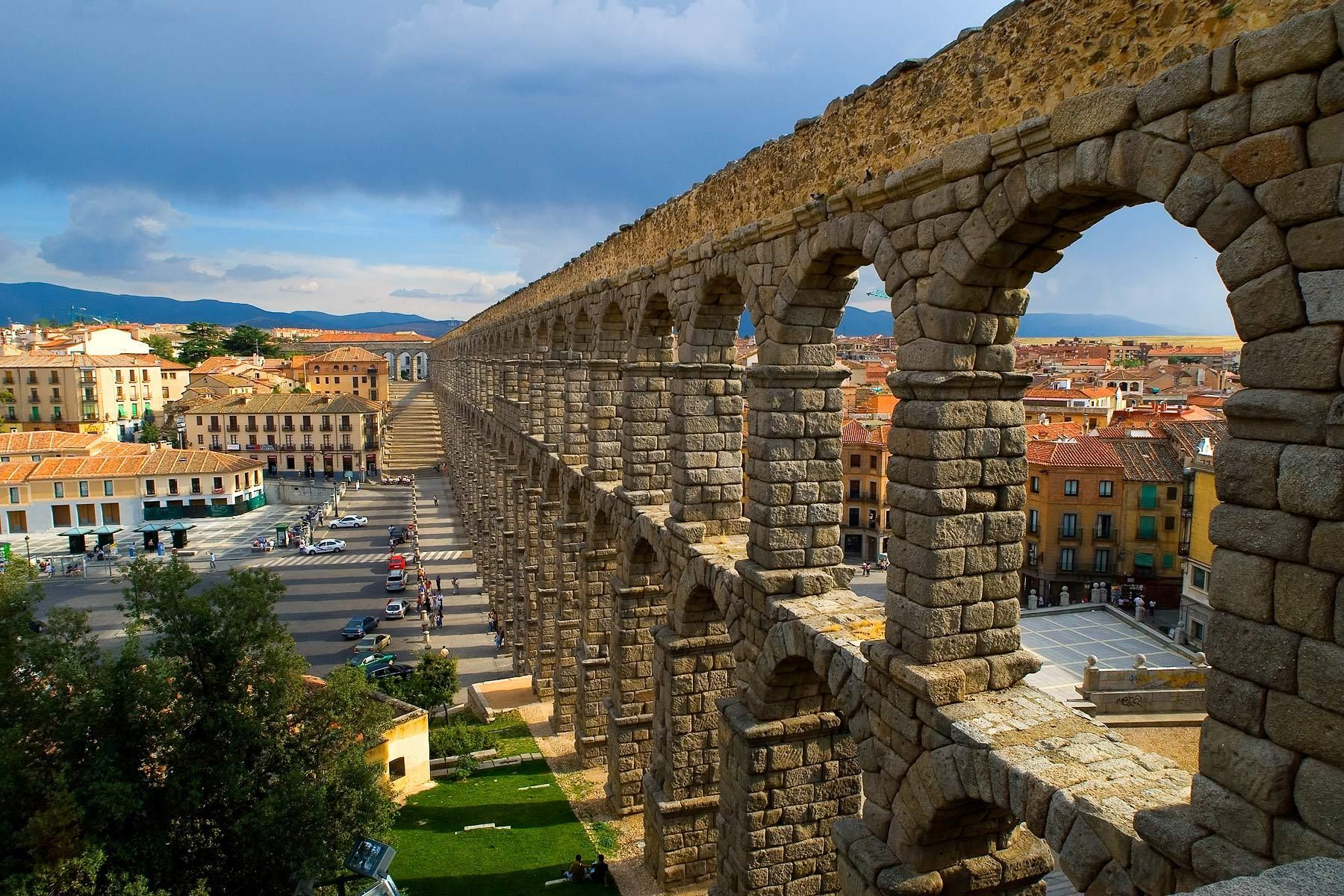 1segovia_aqueduct_02.jpg