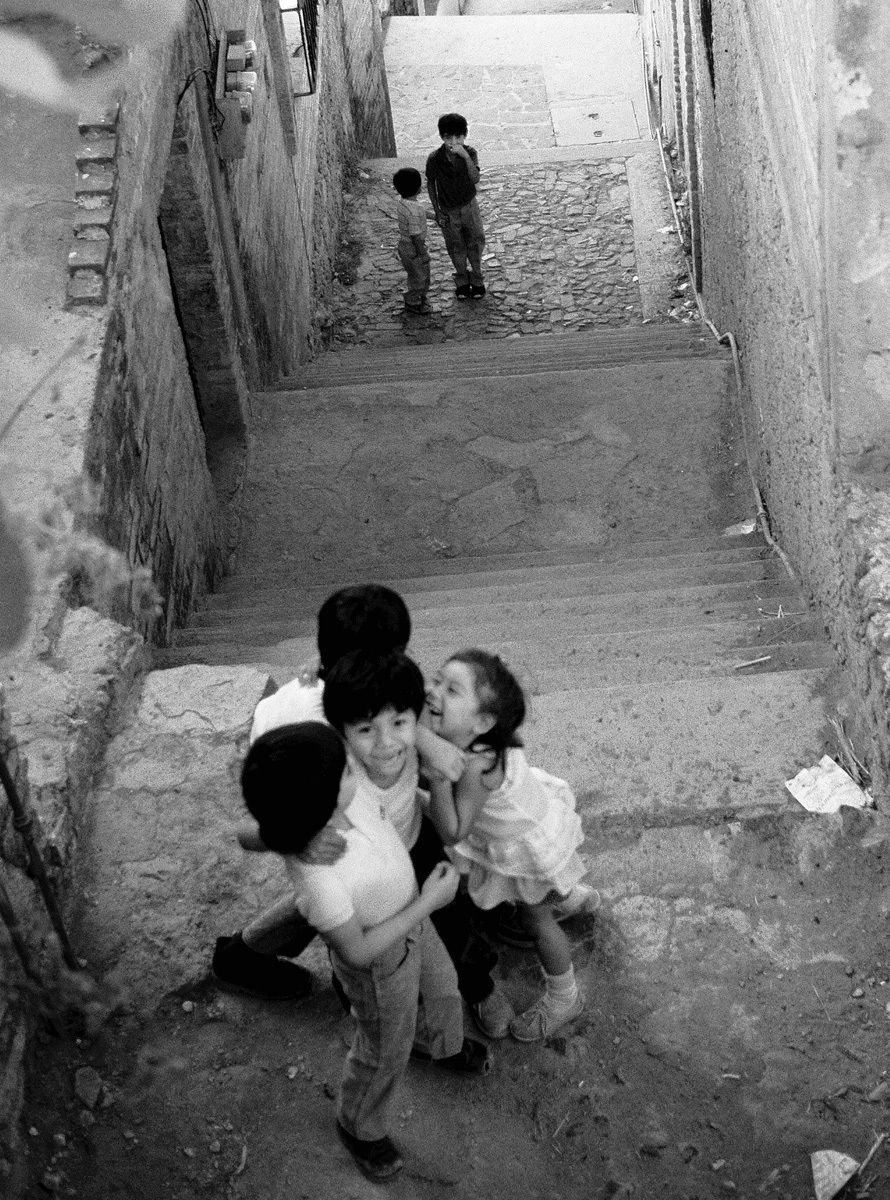 1taxco_kids_alley_bw_.jpg