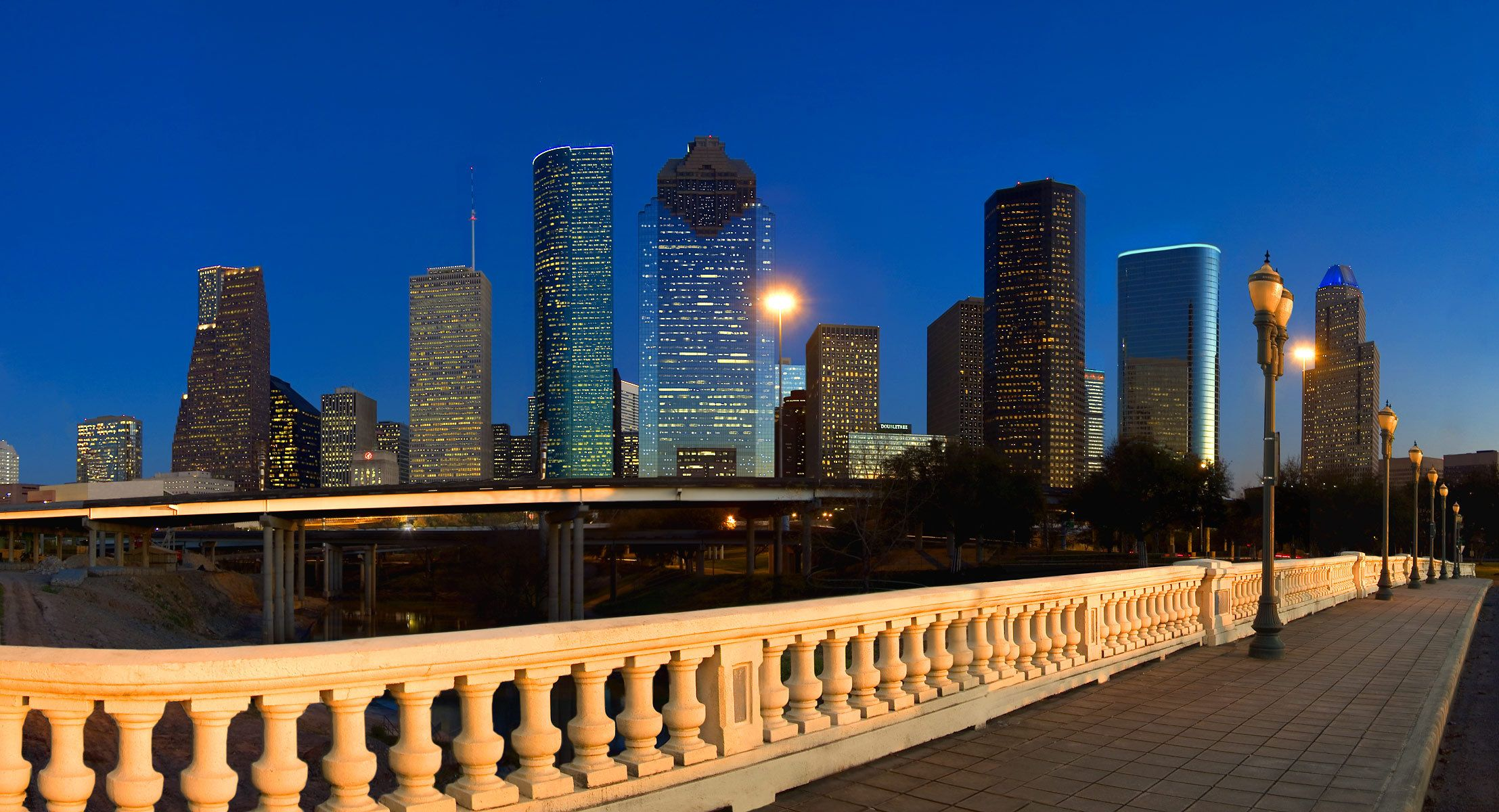 1houston_skyline.jpg