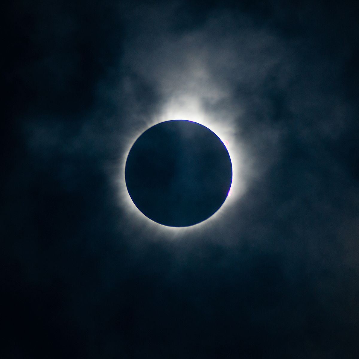 1 minute to totality