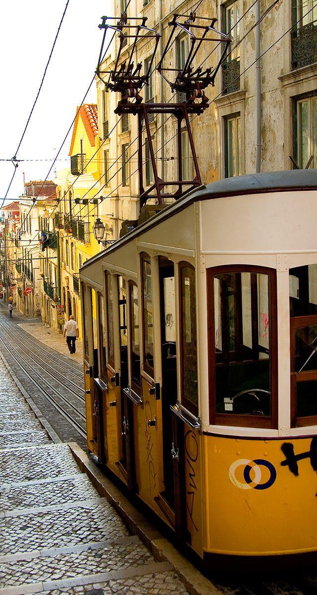 1lisbon_streetcar.jpg