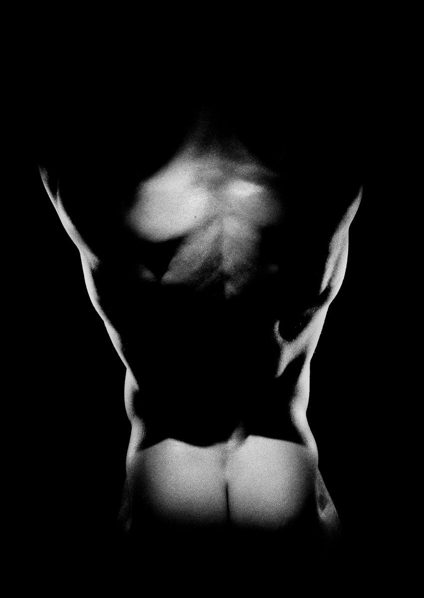 1male_back_buttocks.jpg