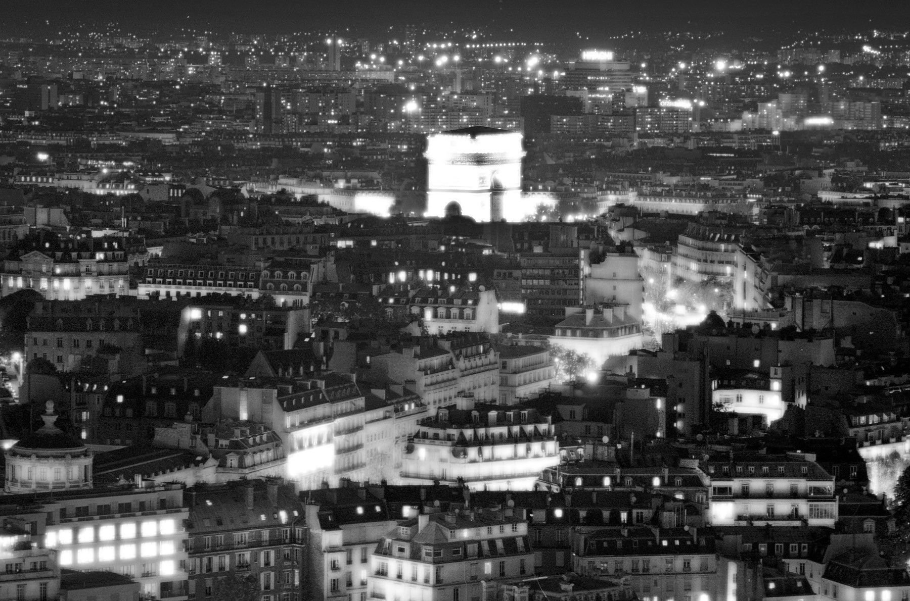 1paris_arctriumph_bw.jpg