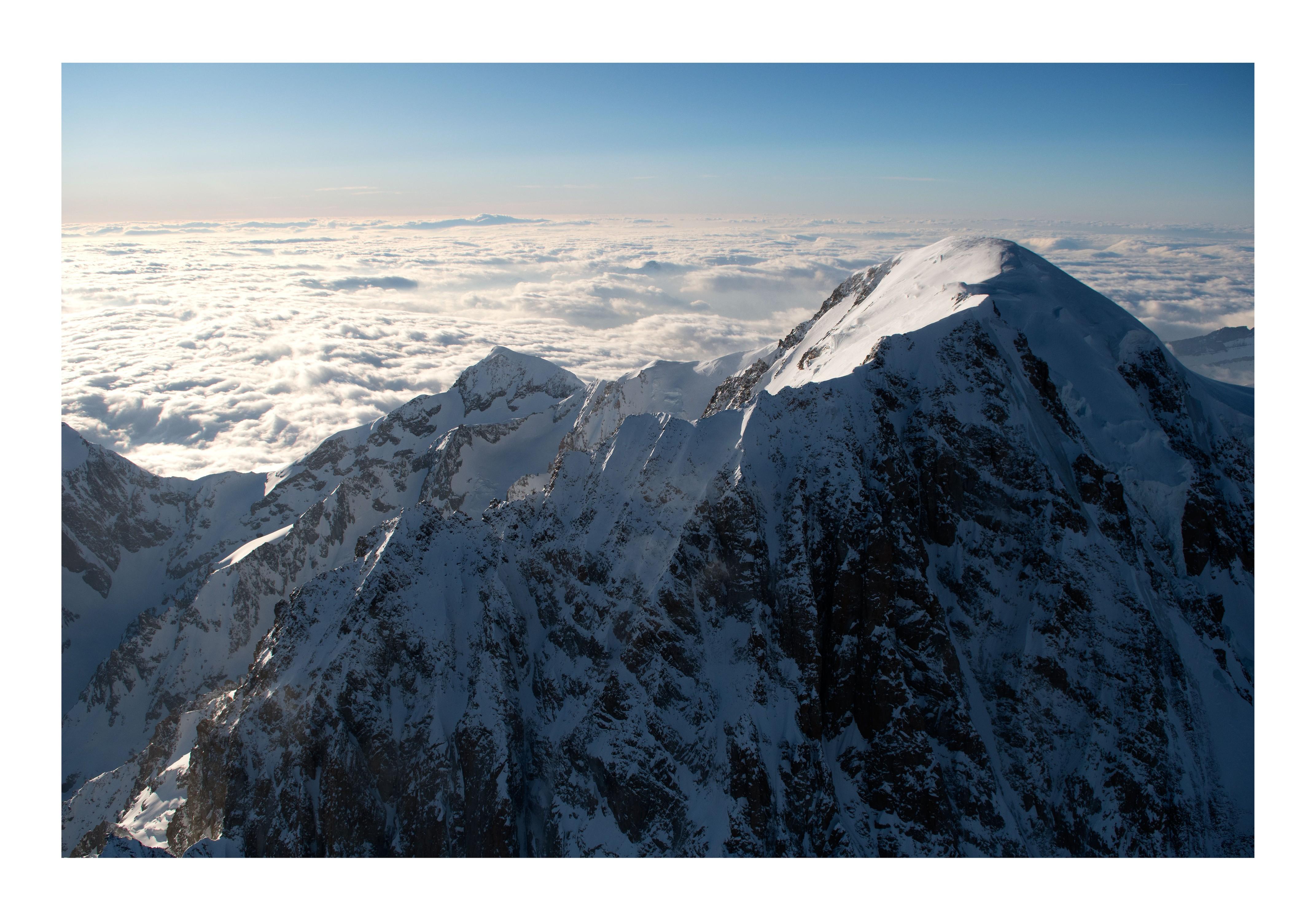 Mont Blanc et arête du Brouillard 4810 m