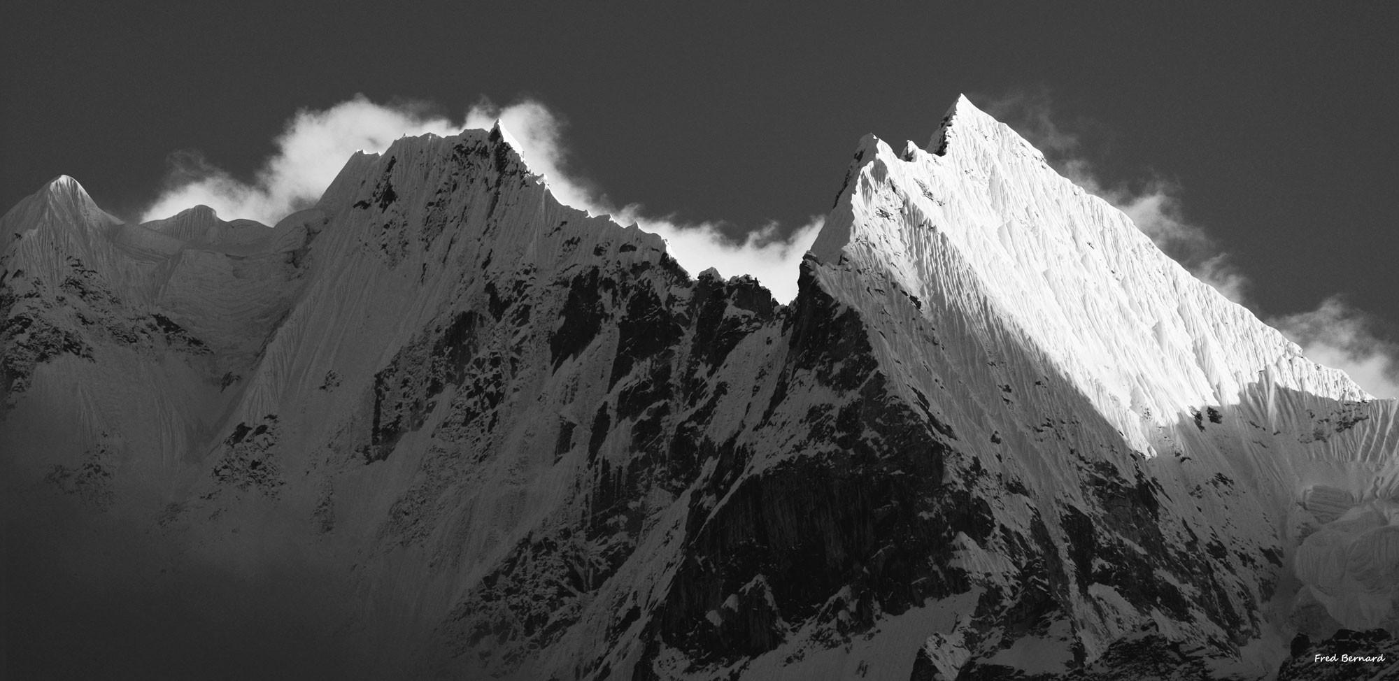 Thamserku-Nepal-Himalaya