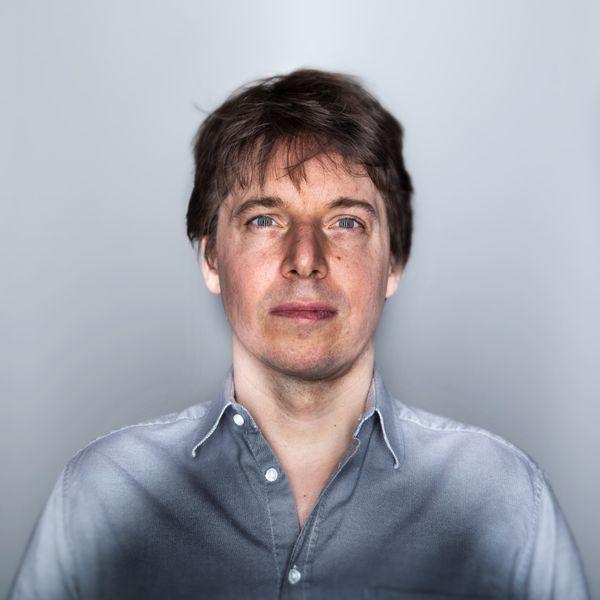Joshua Bell . violinist