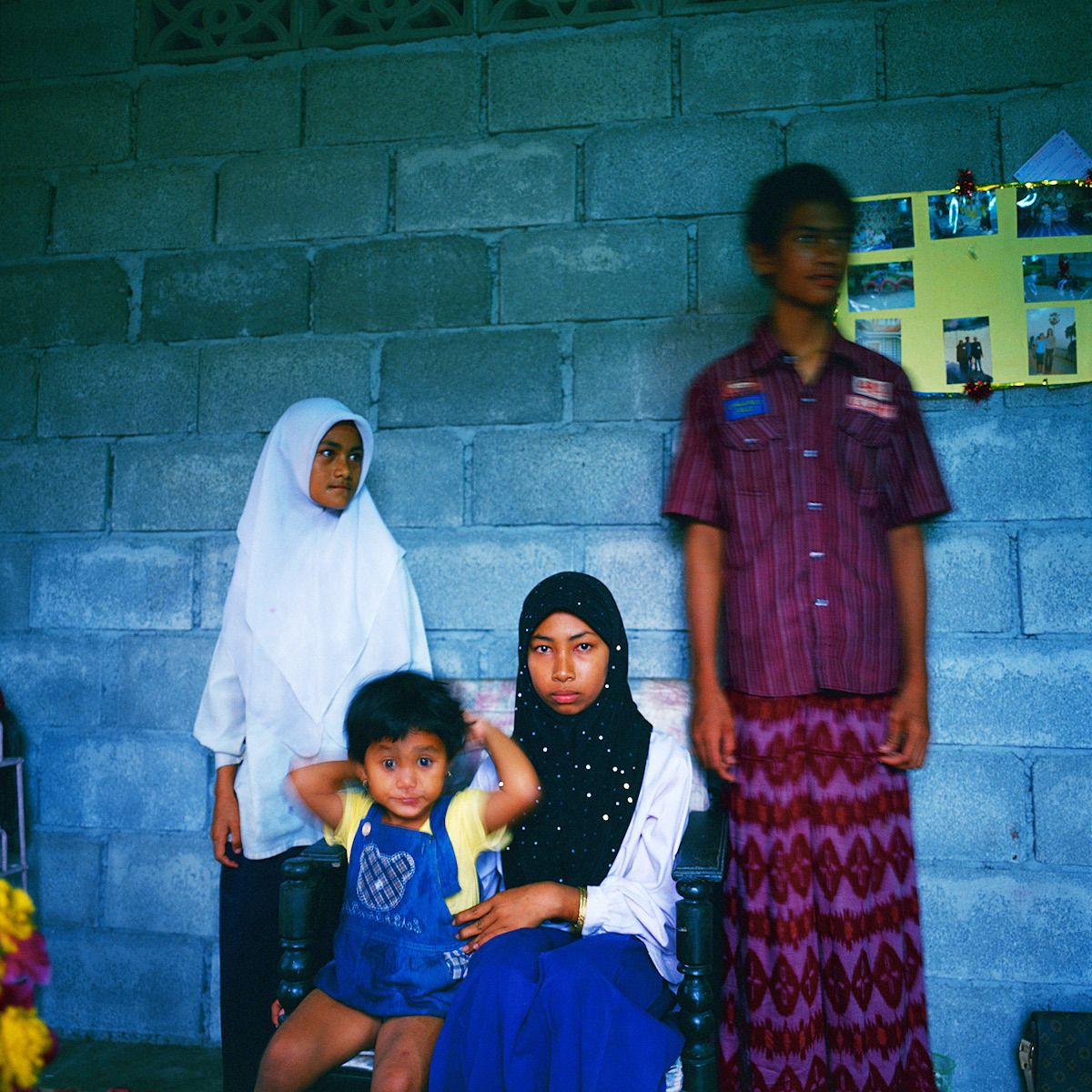 Lost father. Niran, age 10. Nisa, age 9.Nida, age 6. Nifitra, age 3.