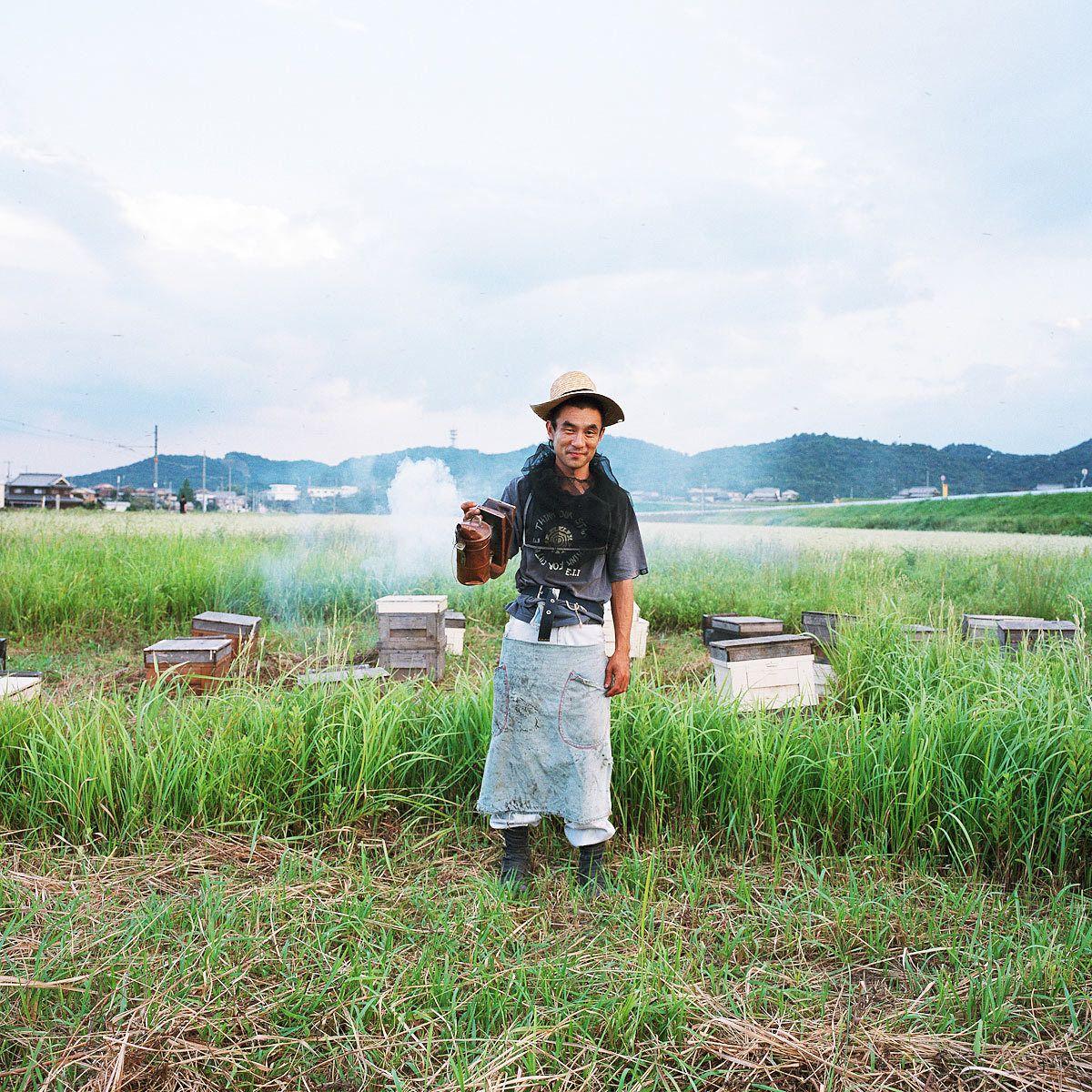 Yukihiro Uzuhashii. Beekeeper.
