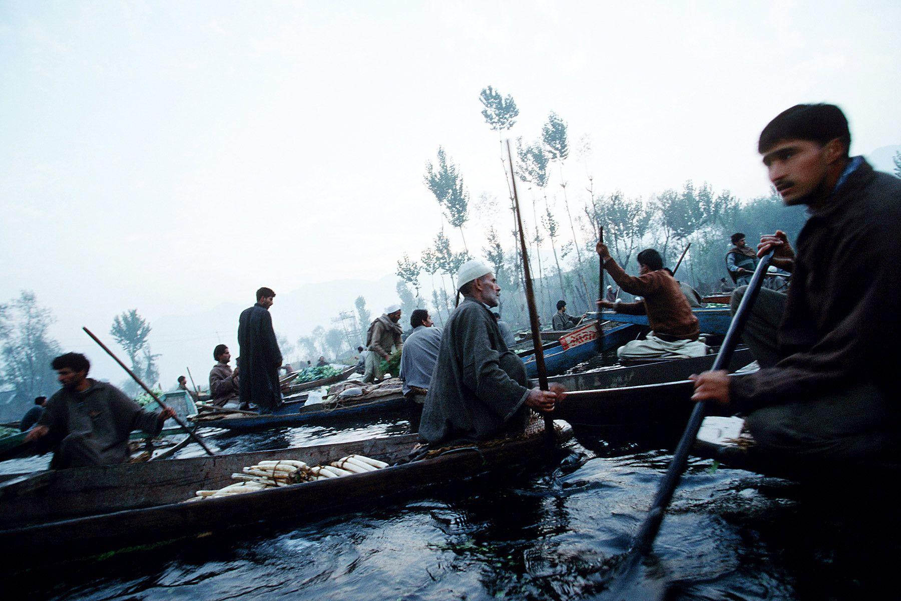 A floating market