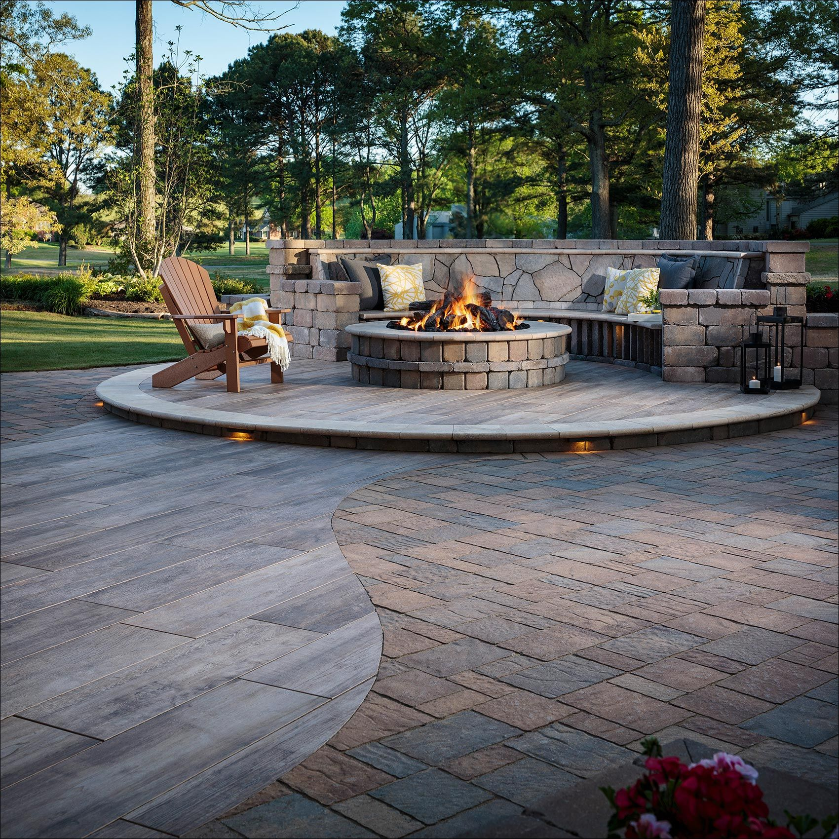 BelgardHardscapes_MiragePorcelainTile_OutdoorLiving_Photography.jpg
