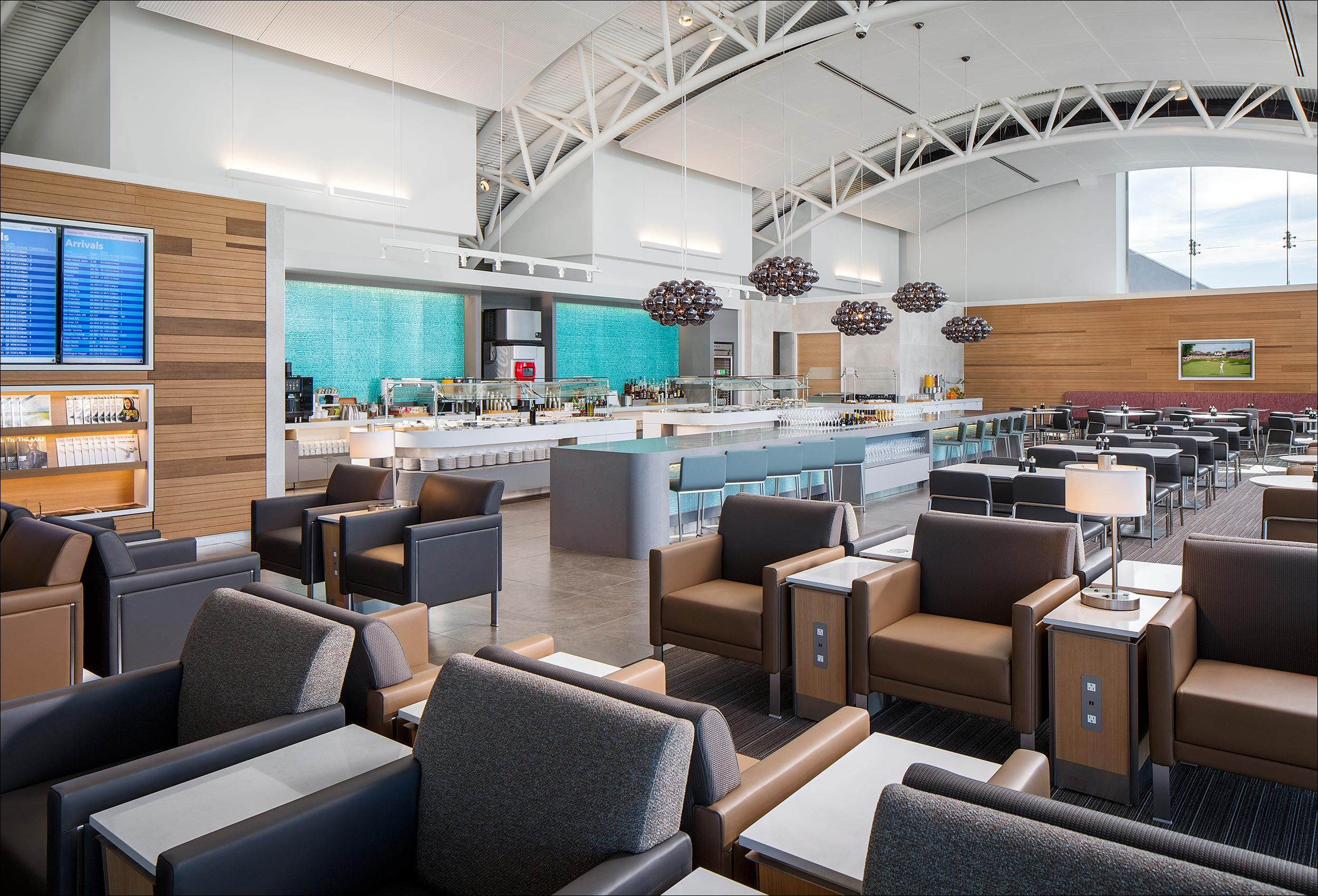 AmericanAirlines_AdmiralClub_LosAngeles_DLRArchitects.jpg