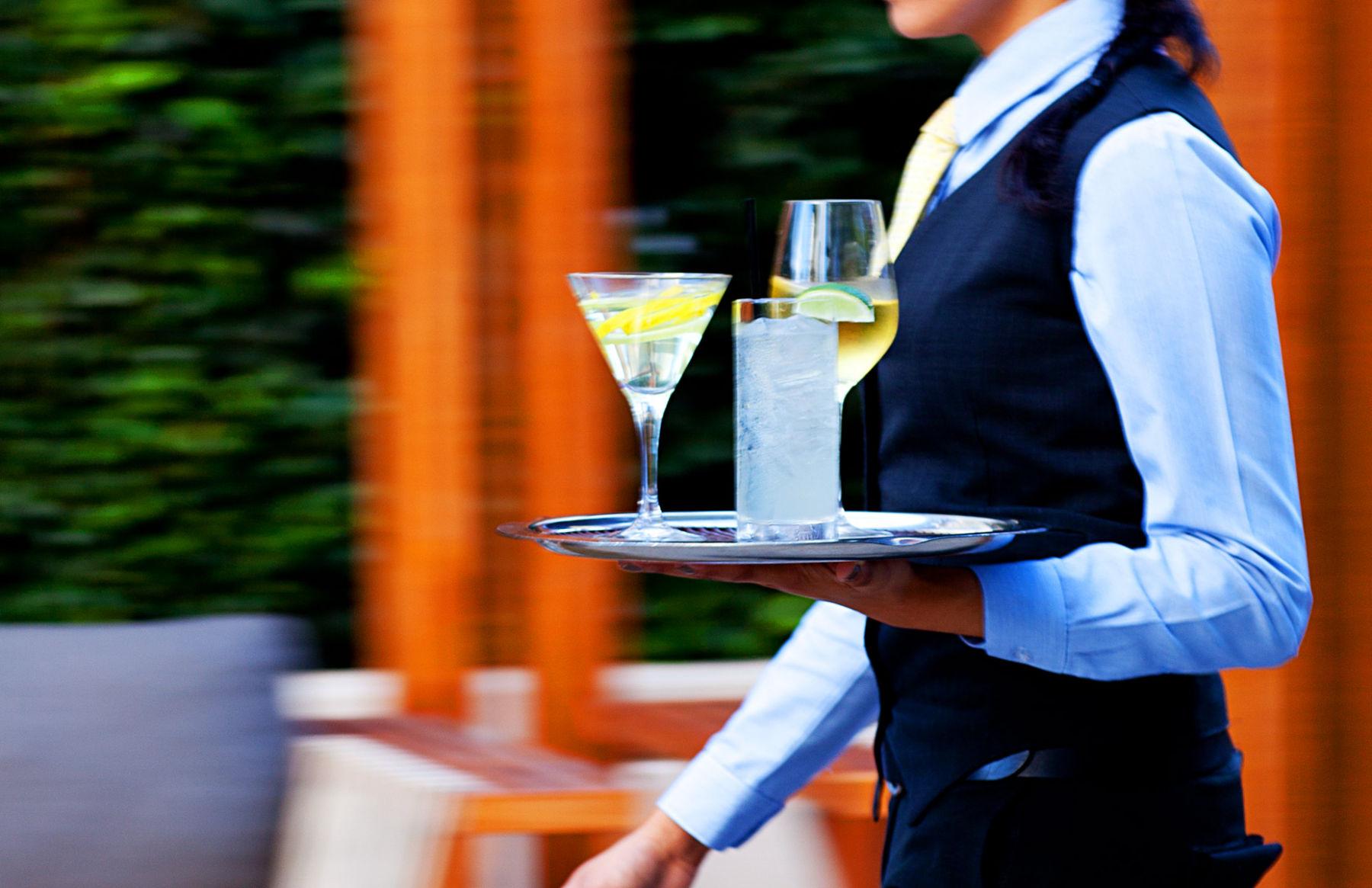 1craftla_cocktails_patio