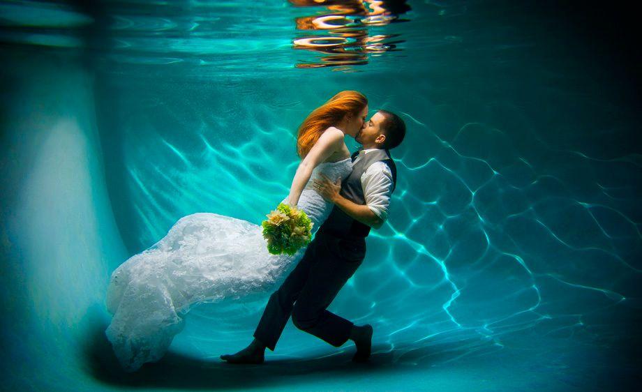 896_1san_diego_underwater_wedding_photography_la_jolla_portraits_family_pictures_kc_alfred_bride_005.jpg