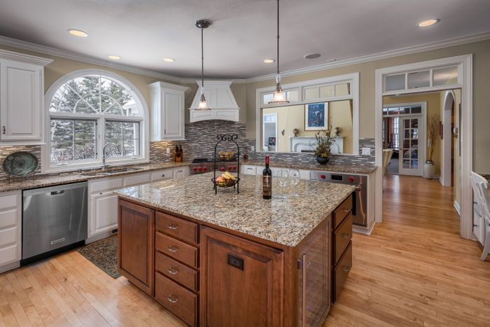 MEQUON KITCHEN REMODEL WITH CUSTOM ISLAND