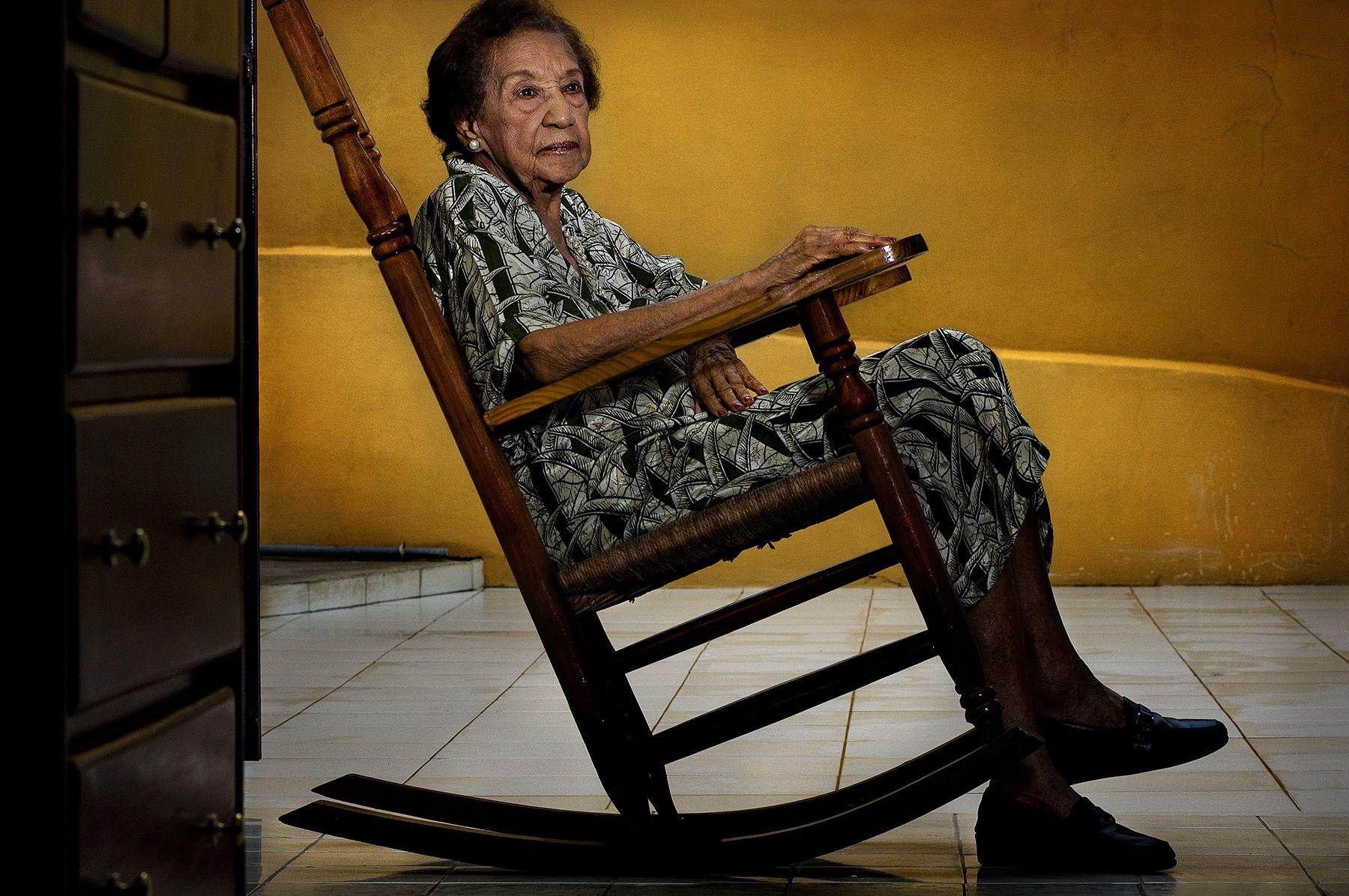 ANA FERNÁNDEZ DE SIMÓ, MUJER 2007
